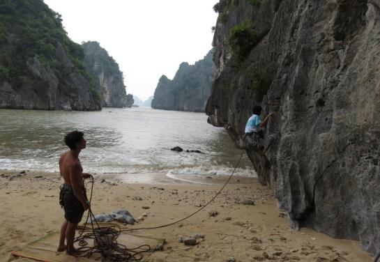 Lan Ha Bay climbing !