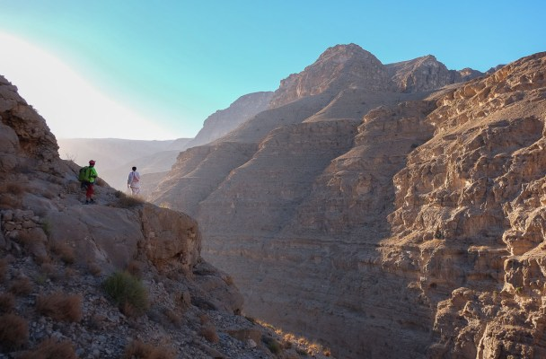 Mibam à Umq Bir, sentier bédouin, Wadi Tiwi, Oman 2