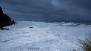 Dumazilé, un cyclone passe au large, La Réunion 15