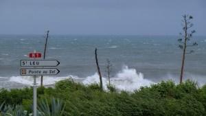 Dumazilé, un cyclone passe au large, La Réunion 13