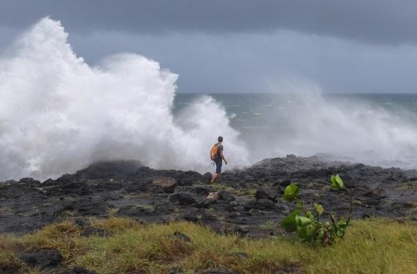 Dumazilé, un cyclone passe au large, La Réunion 2