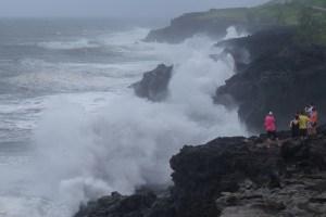 Dumazilé,  un cyclone passe au large, La Réunion 16