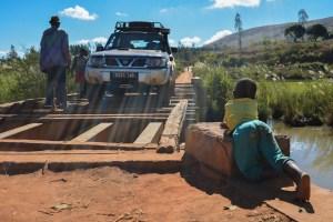 Sur la piste du Tsaranoro, Étape 1 - Sendrisoa à Ambalamanandray, Vallée de Namoly, Madagascar 7