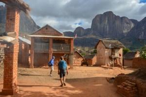 Sur la piste du Tsaranoro, Étape 4 - Vallée du Tsaranoro, Madagascar 53