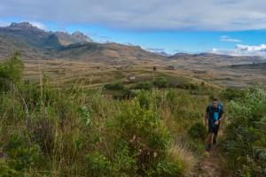 Sur la piste du Tsaranoro, Étape 2 - Vallée de Namoly au pied du pic Imarivolanitra, Madagascar 18
