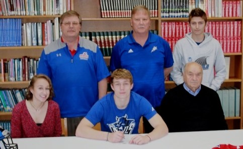 04-17-2018 Jack Ward sigs with Bluefield College b