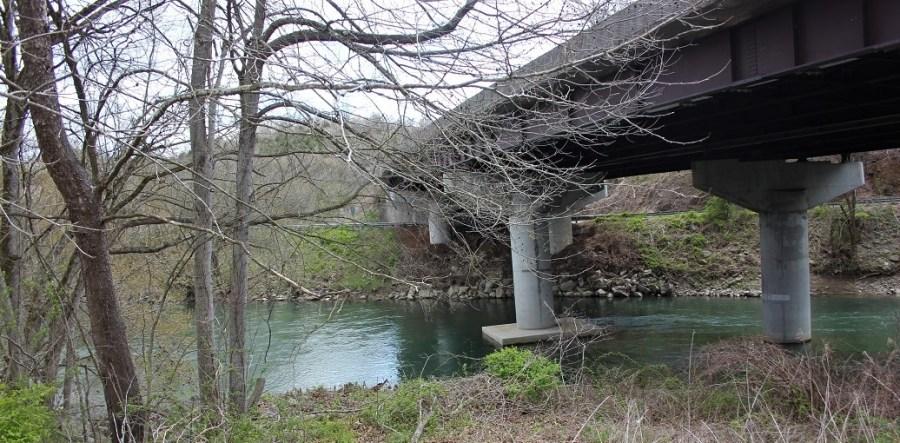 fishing hole under 58 bridge 1