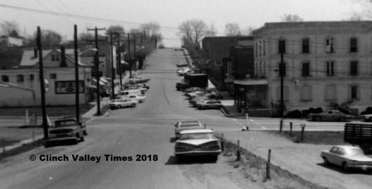 1971 - April 22 (49) Broad Street view - June Minton car