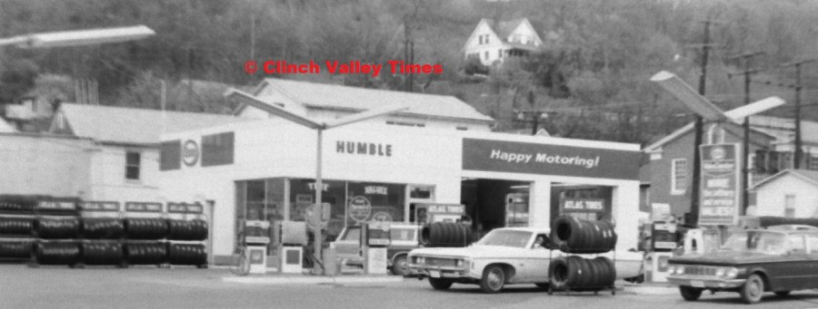 April 29, 1971 (19) Esso on Fourth Ave.