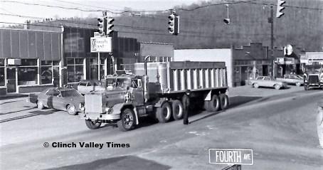 1975 Convoy (37)