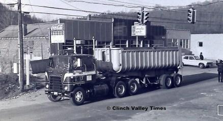 1975 Convoy (38)