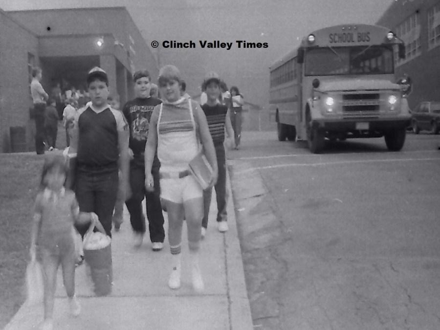 NimoFilm_3584 St. Paul School - first day 1985-86