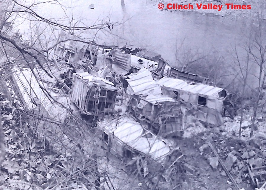 NimoFilm_8973 Clinchfield Train Derailment