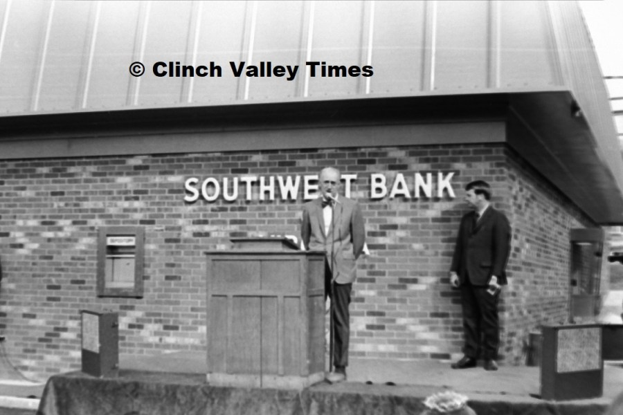 Southwest Bank grand opening Nov. 1971 (17)