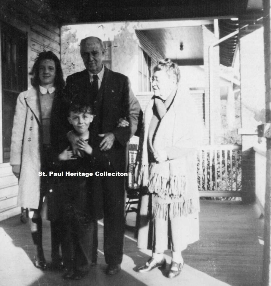 Dr. Greear & grandchildren - Wise Street