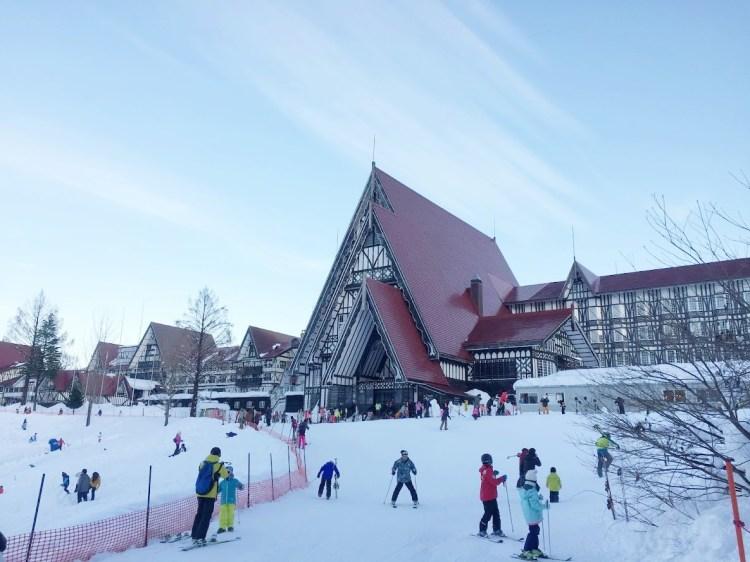 ▌上越國際滑雪場住宿 ▌上越綠色廣場飯店 Hotel Green Plaza Joetsu 。飯店門口就是滑雪場