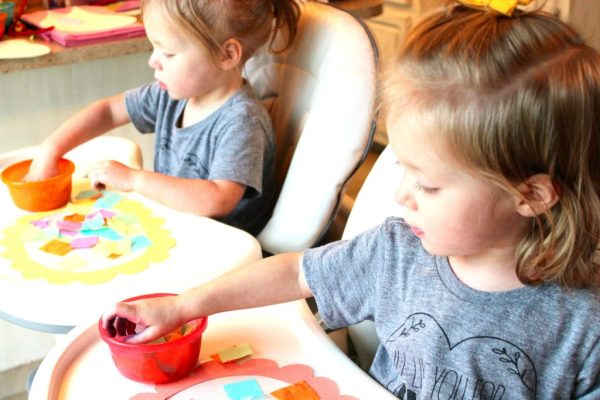 toddler no-mess art activity