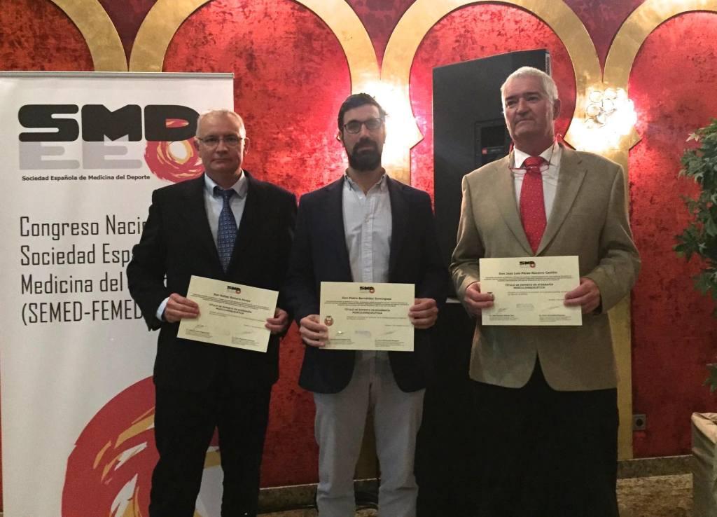 3 doctores reciben Titulo Experto Nacional en Ecografia Musculoesquelética