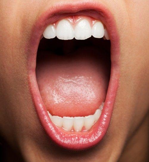 clinica-dental-moreno-cabello-boca-ardiente