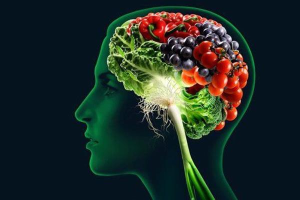 La dieta mediterránea retrasa el deterioro cognitivo asociado al envejecimiento.