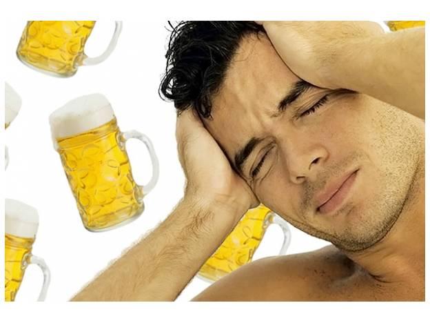 Nii beber abundante agua después de la intoxicación ni comer antes reducen significativamente los síntomas del malestar.