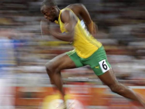 La simetría entre las rodillas y los tobillos de los atletas jamaicanos podría ser una razón de su gran biodinamica.