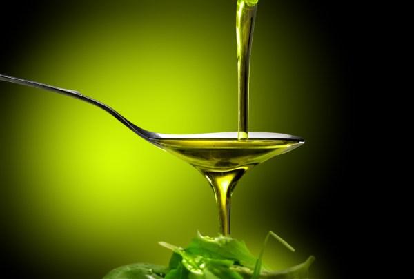 Investigadores de la Universidad de Málaga demuestran que la ingesta de hidroxitirosol, un polifenol presente en el aceite de oliva virgen extra, retrasa y aun previene este tipo de complicaciones.