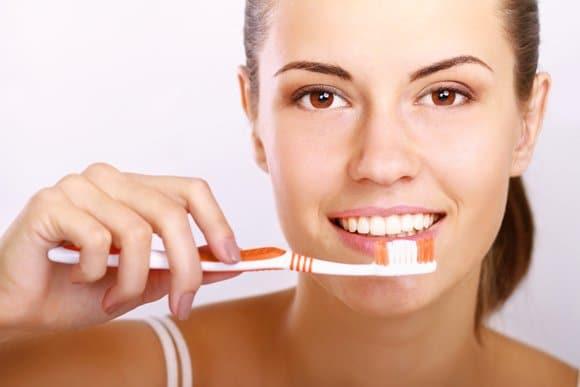 7 razones para cepillarse los dientes dos veces al día