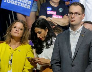 Top Clinton aides Jennifer Palmieri (left), Huma Abedin (center), and Robby Mook attend a campaign rally with Clinton in 2016. (Credit: Brian Snyder / Reuters)