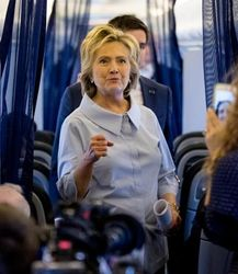 Clinton holds an in-flight press conference on September 5, 2016. (Credit: Andrew Harnik / The Associated Press))