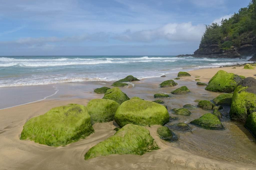 Hanakāpī'Ai Beach in Kauai