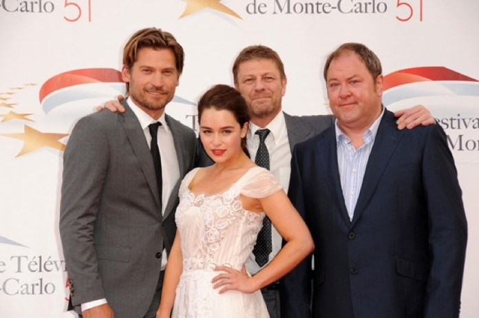 ClioMakeUp-game-of-thrones-trono-di-spade-premiere-red-carpet-emilia-clarke-monte-carlo