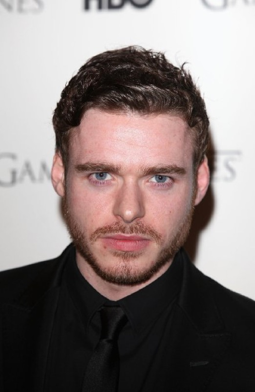 ClioMakeUp-game-of-thrones-trono-di-spade-premiere-red-carpet-richard-madden-DVD-Launch-Party-2011