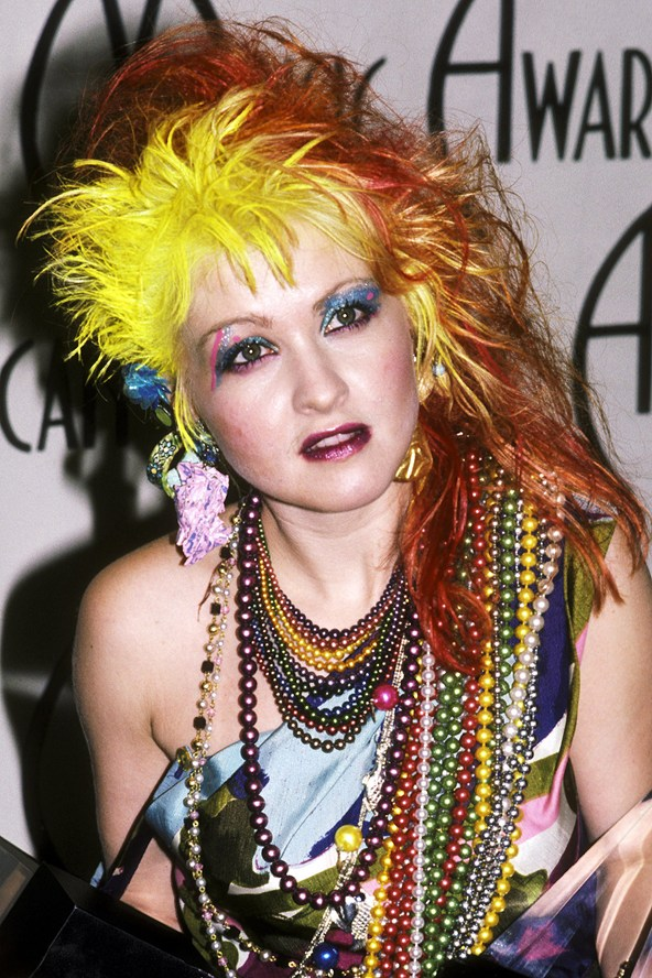 cliomakeup-star-over-40-beauty-follie-cindy-lauper-capelli-rossi-anni-80-3.