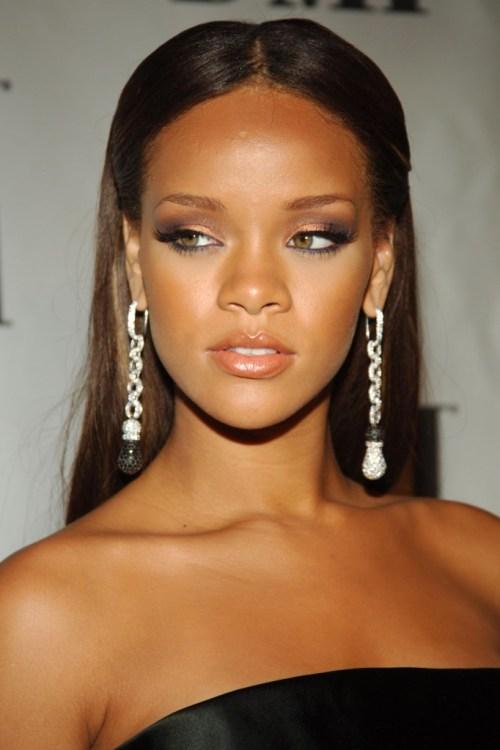 Rihanna_2006_BMI_Urban_Music_Awards_arrival_Ultimate-Rihanna_ru_007