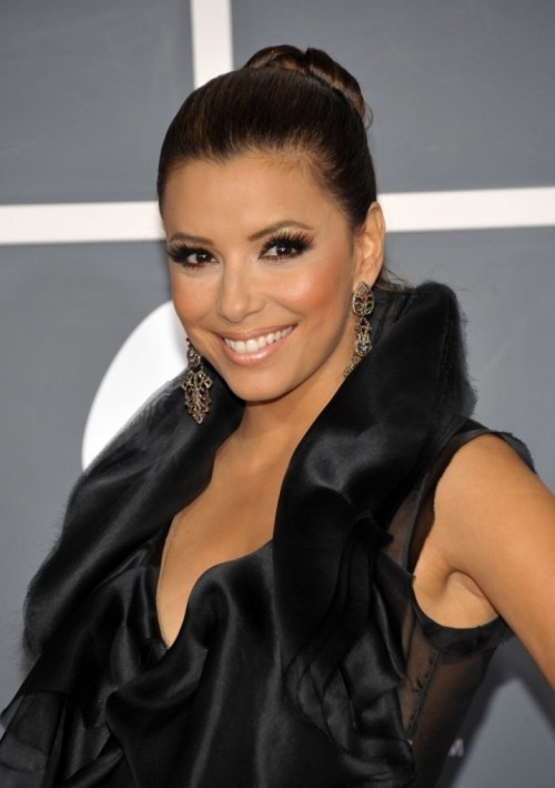 eva_longoria_the_53rd_annual_grammy_awards_red_carpet