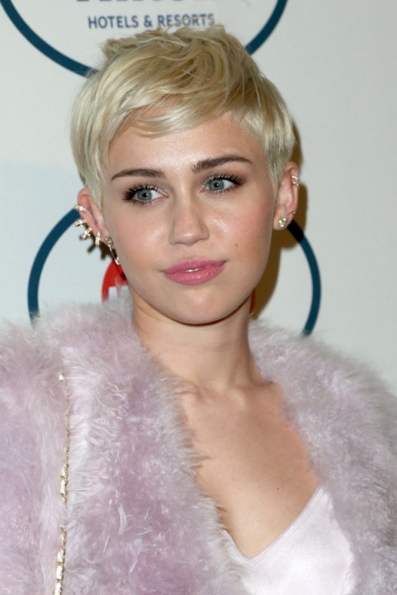 miley-cyrus-pre-grammy-gala-in-los-angeles-january-2014_1