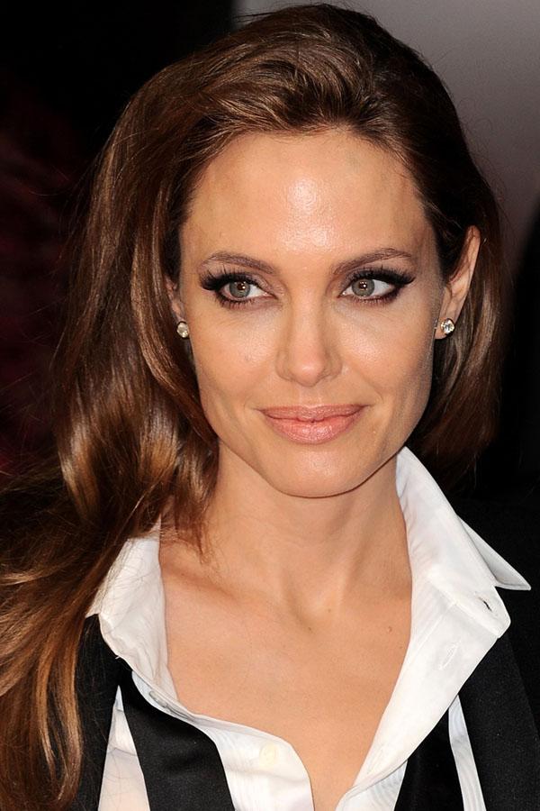 Angelina-Jolie-BAFTA-Awards-2014
