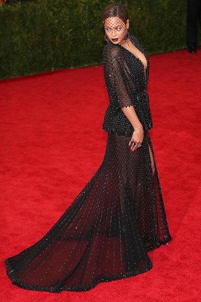 1399364954_Met-Ball-Gala-best-dressed-fashion-style-red-carpet-Cara-Delevingne-Gisele-Bundchen-Jessica-Alba-Diane-Kruger-Leighton-Meester-Blake-Lively-Beyonce