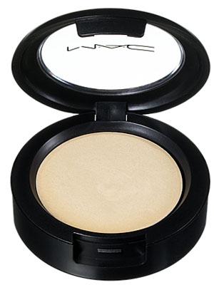 m.a.c.-cream-color-base-in-pearl