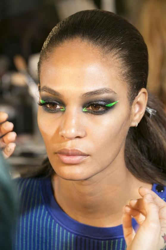 versace-atelier-backstage-haute-couture-spring-2013-pfw22