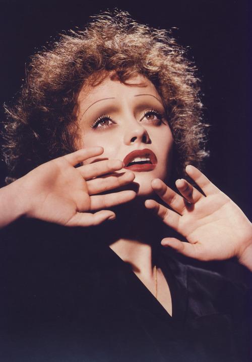 Christina Ricci come Edith Piaf