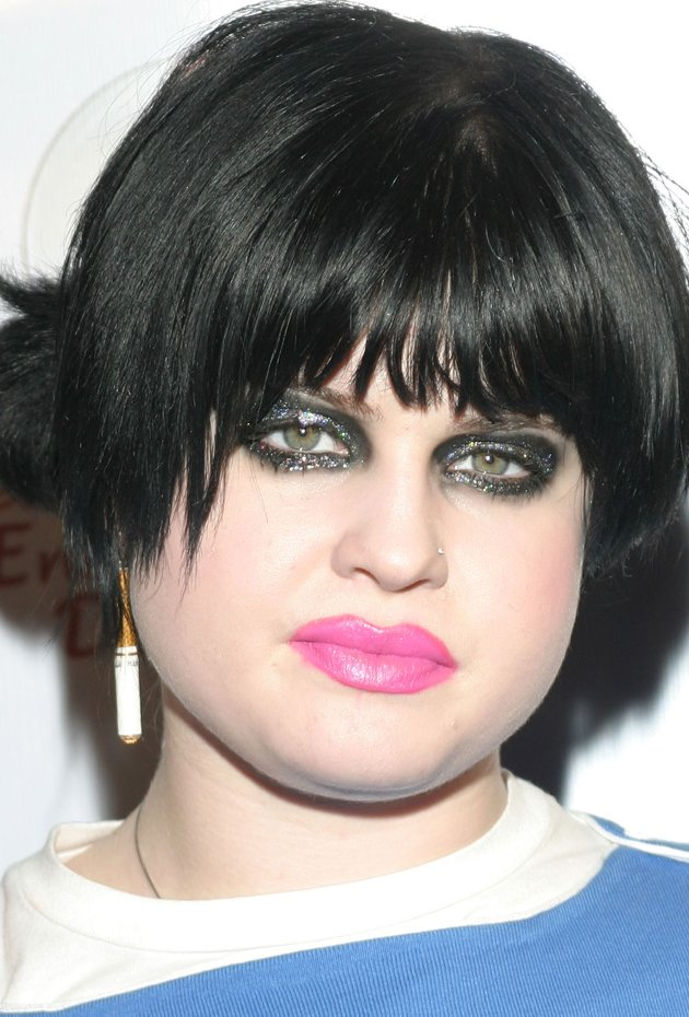 Kelly-Osbourne-bad-make-up