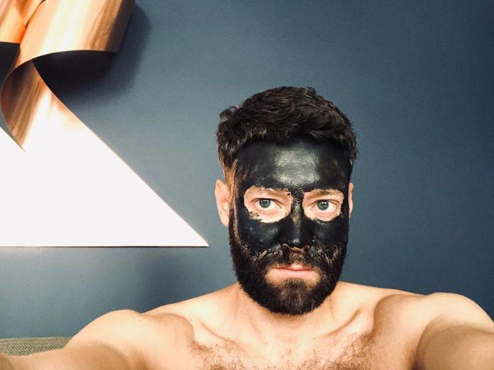 Cliomakeup-black-mask-punti-neri-14-uomini