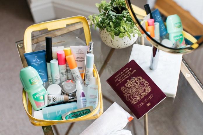ClioMakeUp-beauty-viaggio-bagaglio-a-mano-cosmetici.jpg