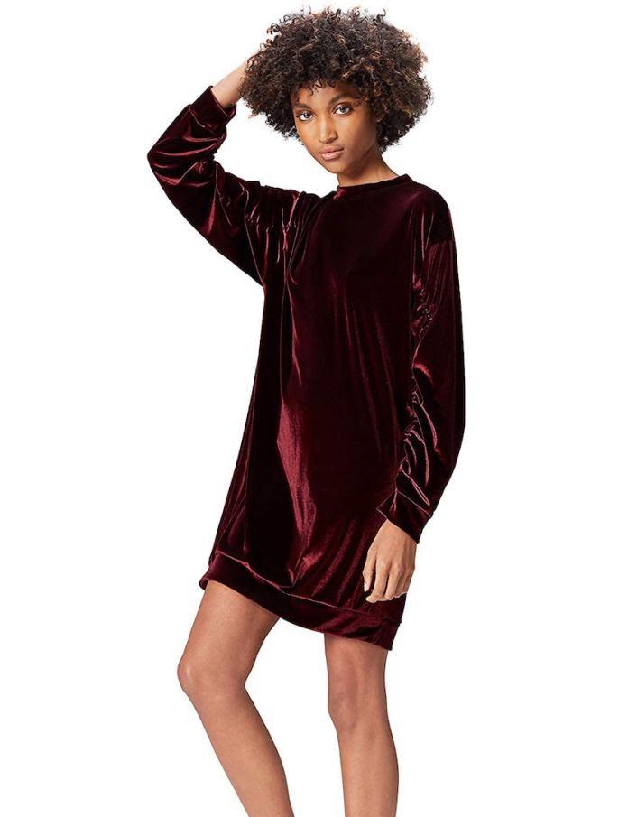 ClioMakeUp-indossare-metallizzato-10-vestito-rosso-velluto.jpg