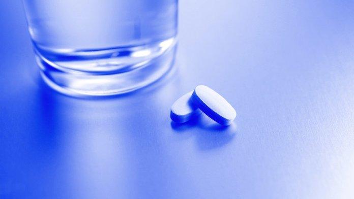 ClioMakeUp-pillola-giorno-dopo-7-compresse-acqua-pills.jpg
