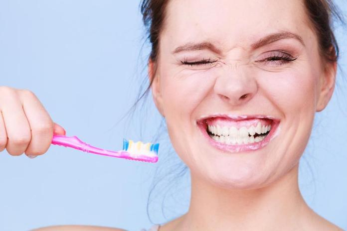 cliomakeup-alito-cattivo-2-lavare-denti