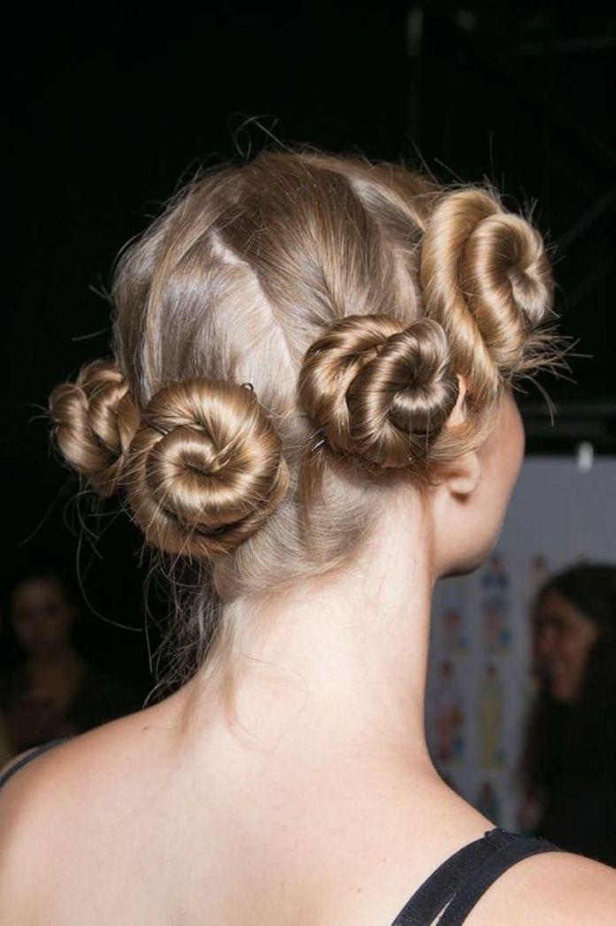 cliomakeup-capelli-mossi-senza-calore-19-mosso-bantu-knots
