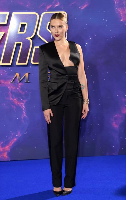 cliomakeup-copiare-look-scarlett-Johansson-9-avengers-outfit